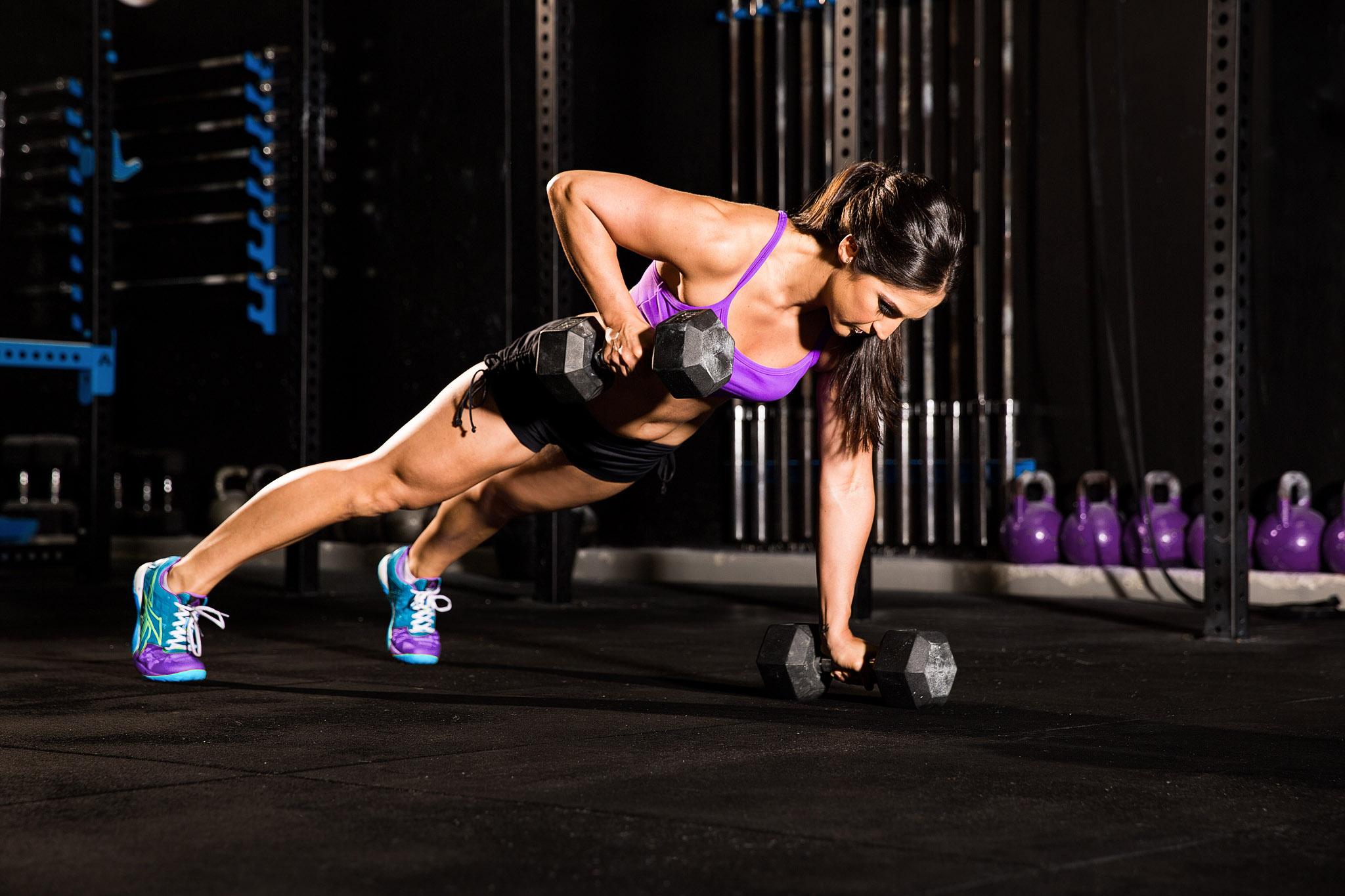 224 female fitness photoshoot crossfit biceps